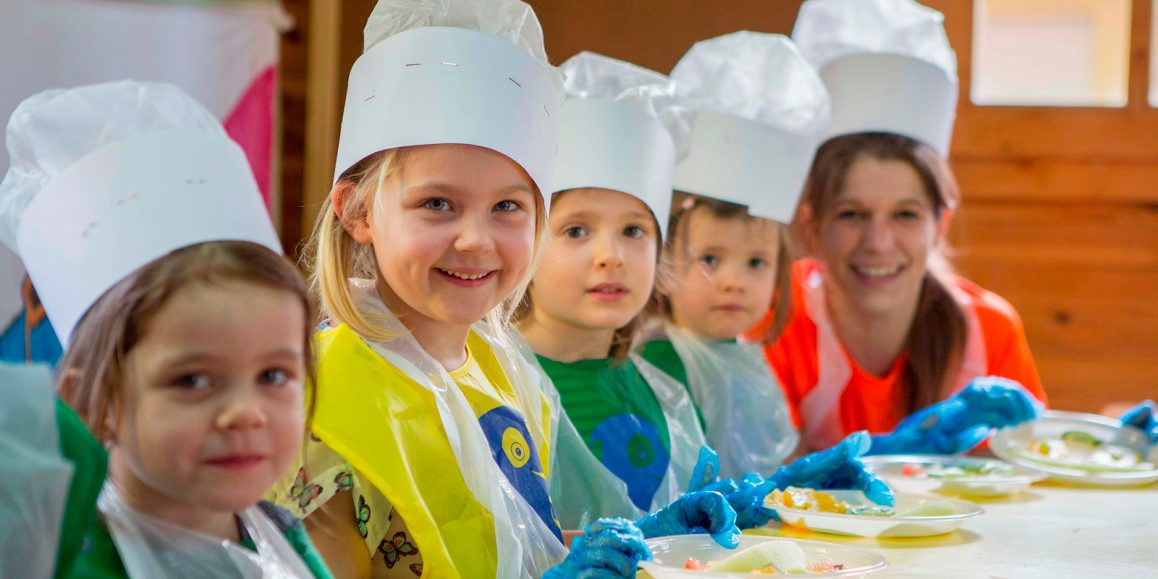 niños-cocinan-miniclub